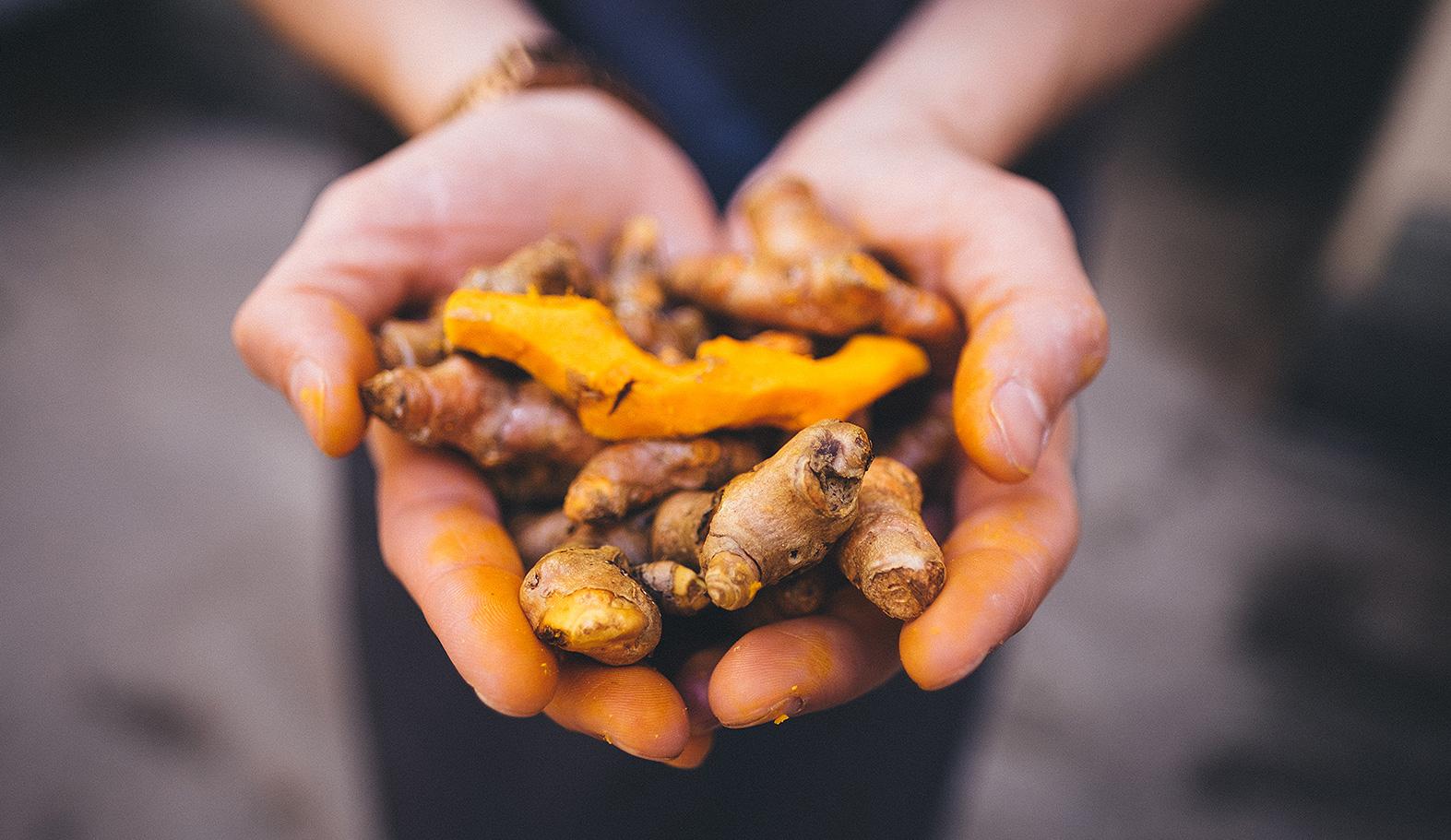 Vi tar fasta på mat som ger hälsa till alla. Näringsrik mat som ligger så nära råvarorna som möjligt.
